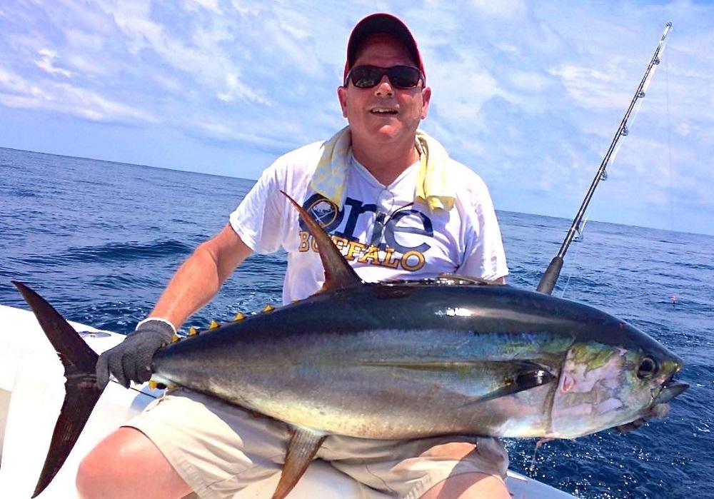 Quepos Yellowfin Tuna Fishing