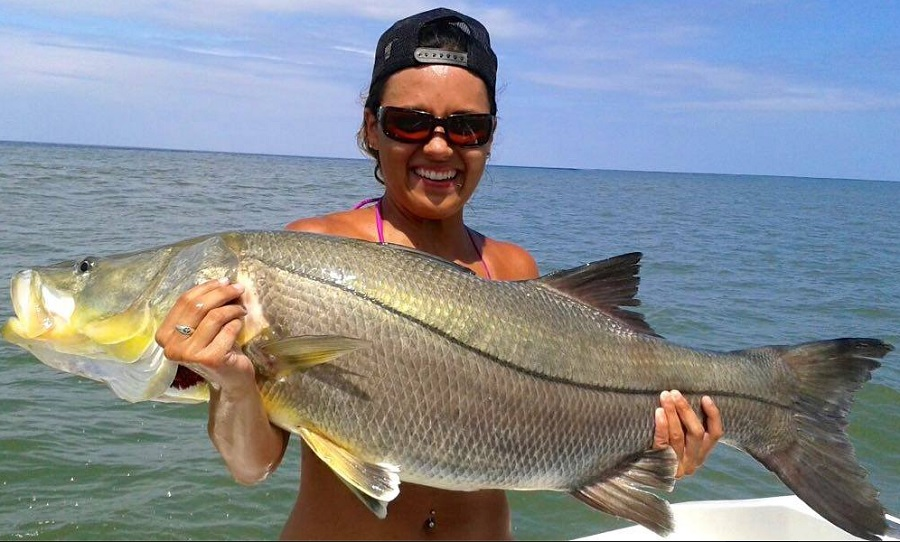 Awesome coastal fishing in quepos costa rica with big fish for Big 5 fishing